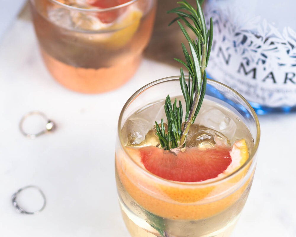 gin and tonic serve grapefruit elderflower