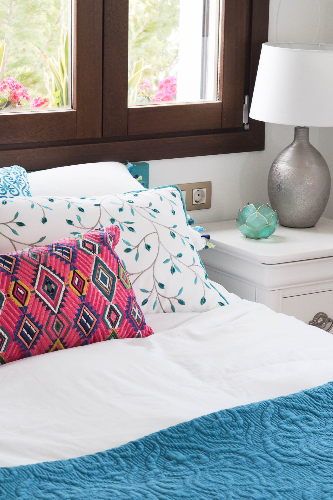 spanish bedroom interiors white colour
