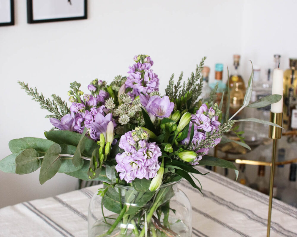flower arranging - how to keep and arrange fresh flowers